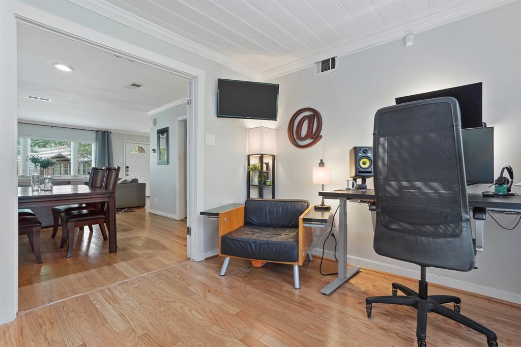 Sold Property | 3722 Park Lane Dallas, Texas 75220 11