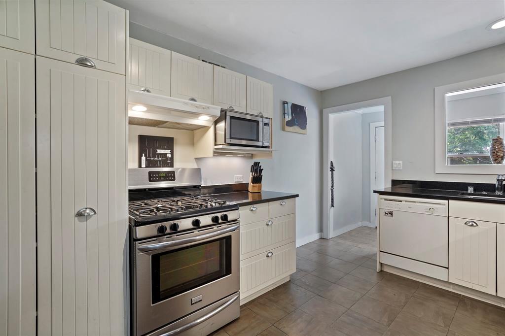 Sold Property | 3722 Park Lane Dallas, Texas 75220 14