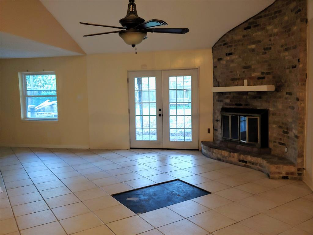 Pending | 5822 Silver Forest Drive Houston, Texas 77092 5