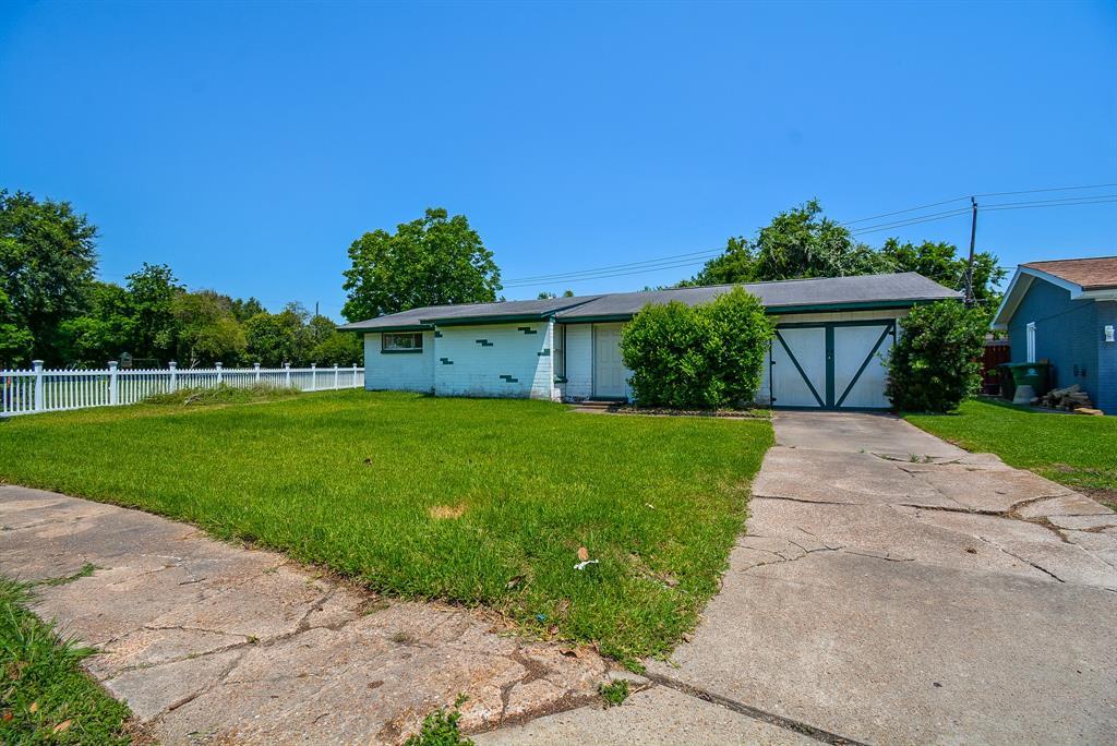 Off Market | 10107 Torrington Lane Houston, Texas 77075 1