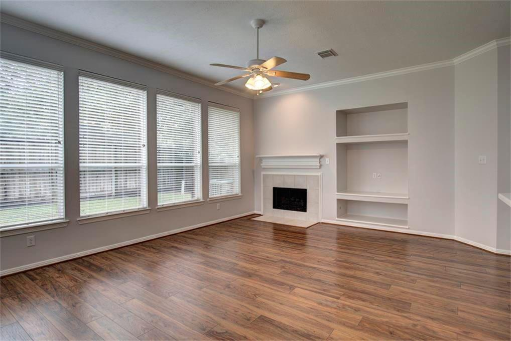 Off Market   53 W Sienna Place The Woodlands, Texas 77382 2
