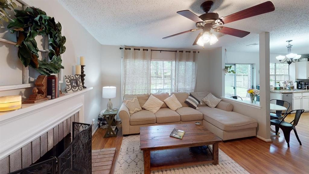 Off Market | 26 Summithill Place The Woodlands, Texas 77381 3