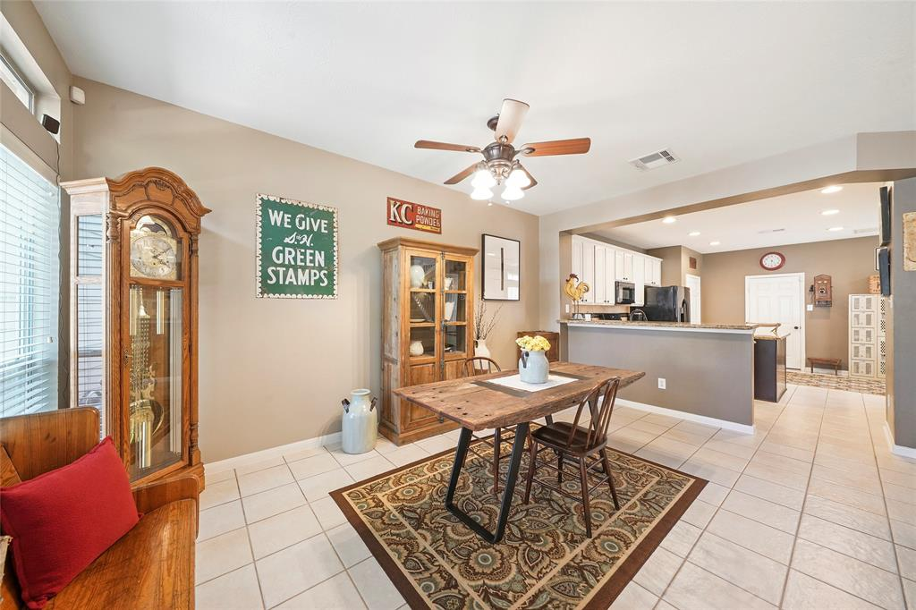 Pending | 26 Endor Forest Place The Woodlands, Texas 77382 17