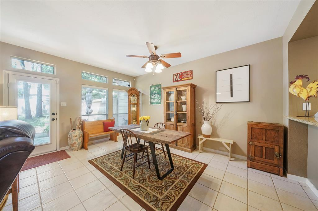 Pending | 26 Endor Forest Place The Woodlands, Texas 77382 18