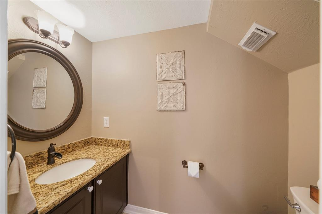 Pending | 26 Endor Forest Place The Woodlands, Texas 77382 20