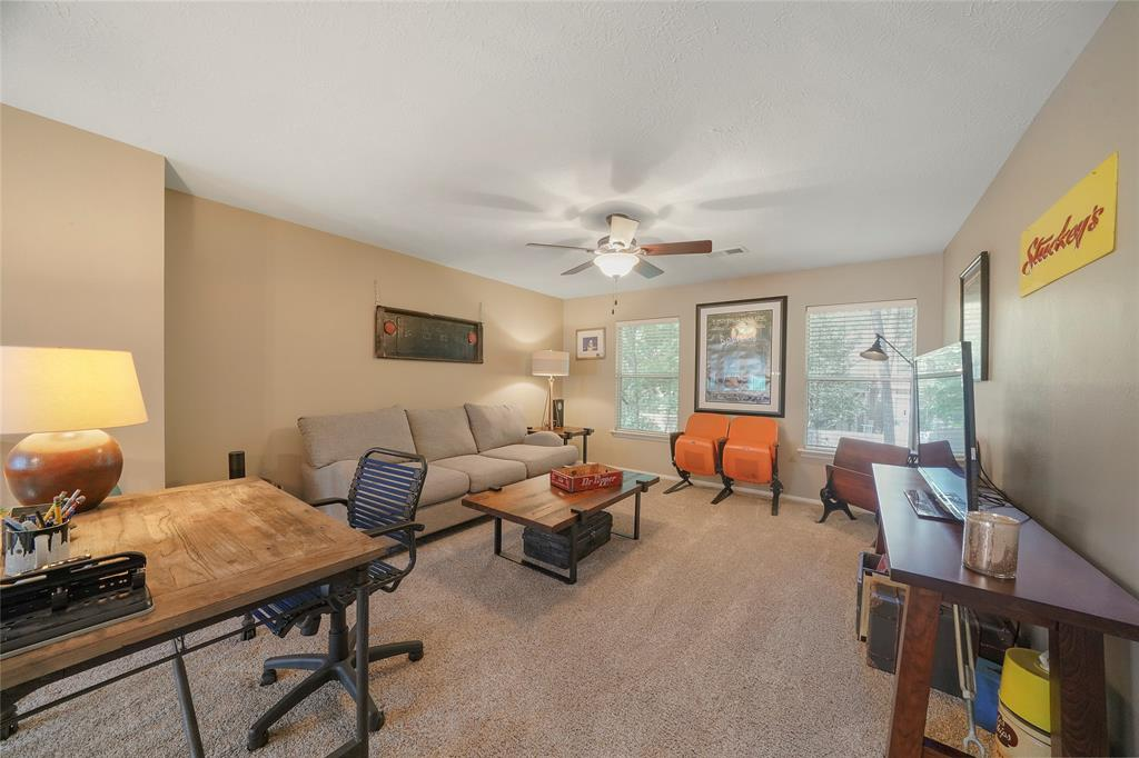 Pending | 26 Endor Forest Place The Woodlands, Texas 77382 23