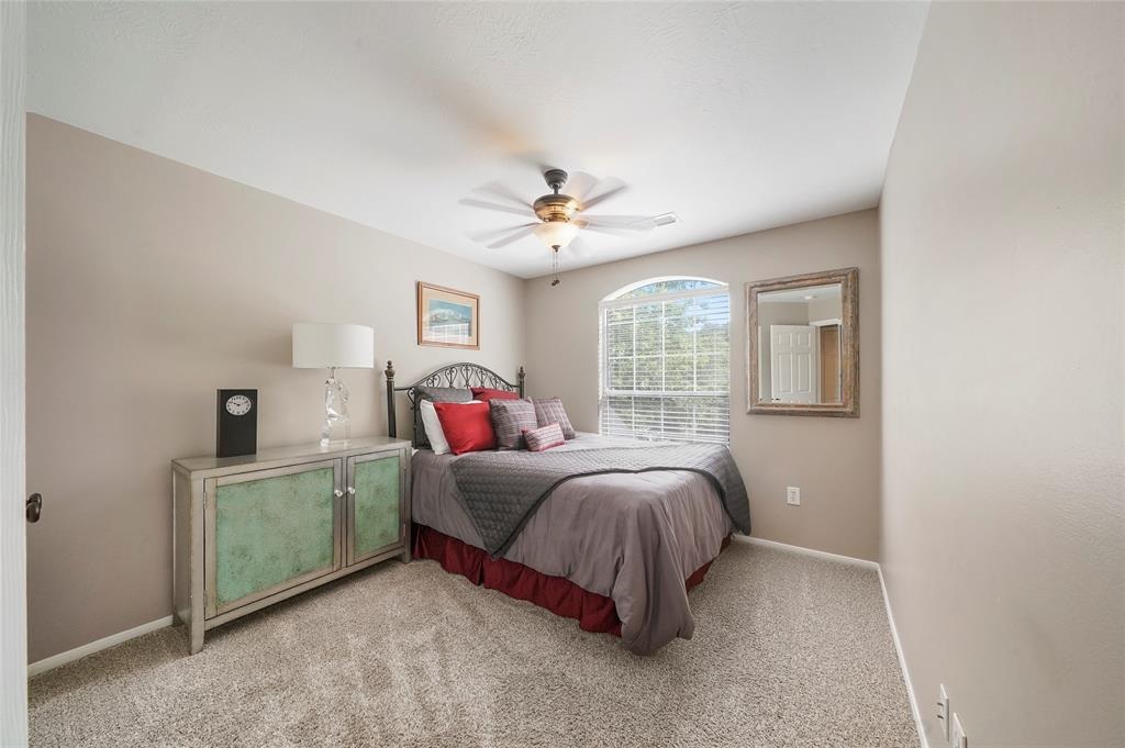Pending | 26 Endor Forest Place The Woodlands, Texas 77382 28