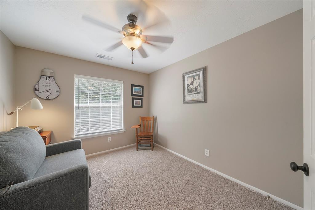 Pending | 26 Endor Forest Place The Woodlands, Texas 77382 30