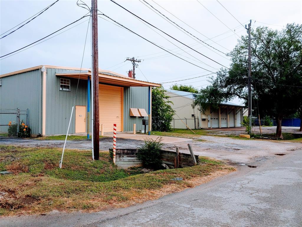 Pending | 11206 Craighead Drive Houston, Texas 77025 9