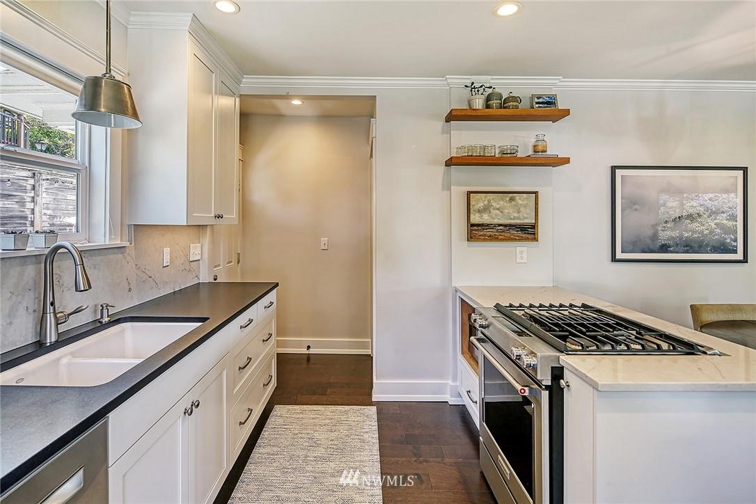 Sold Property   2917 W Boston Street Seattle, WA 98199 5