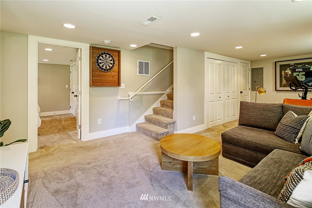 Sold Property   2917 W Boston Street Seattle, WA 98199 13