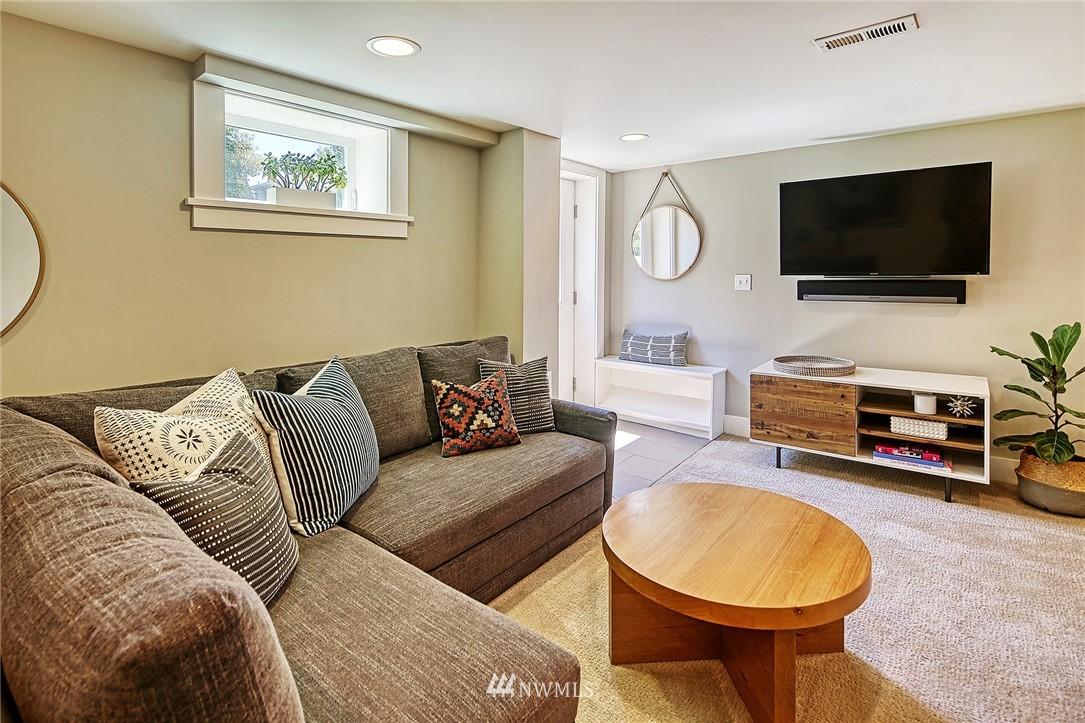 Sold Property   2917 W Boston Street Seattle, WA 98199 14