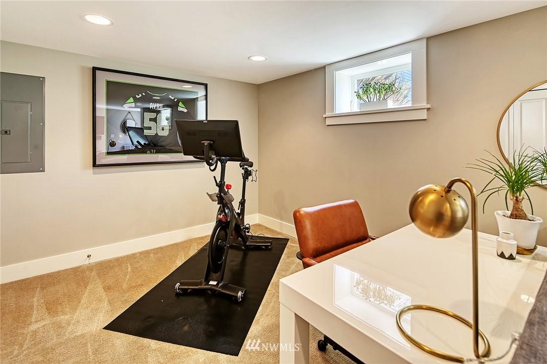 Sold Property   2917 W Boston Street Seattle, WA 98199 16