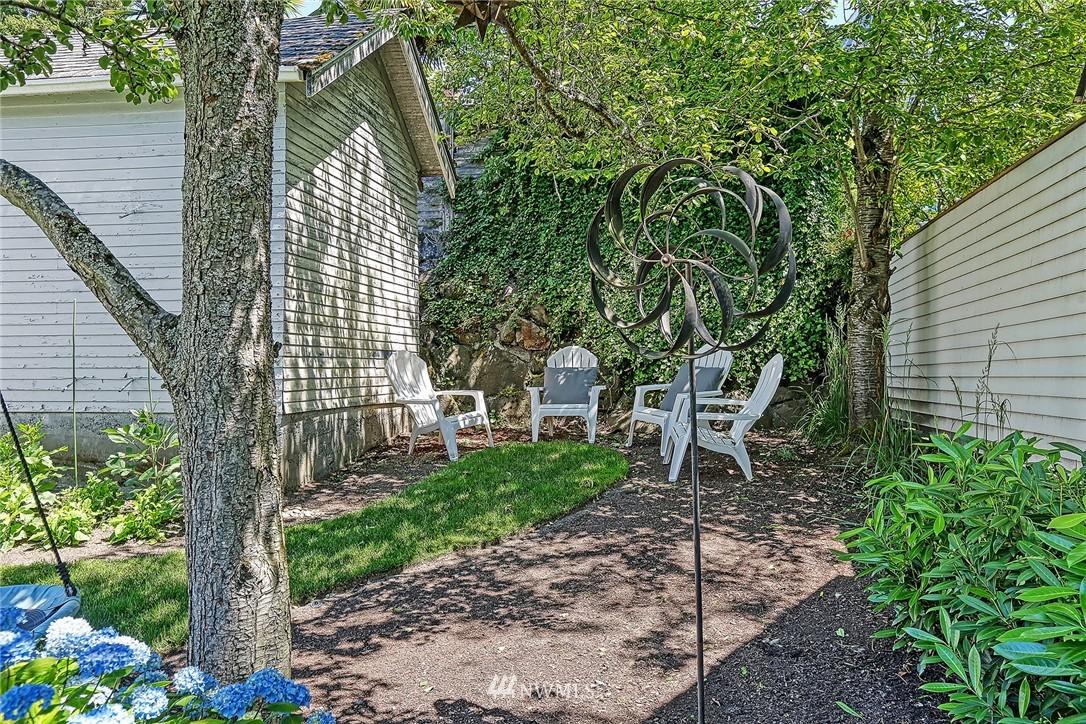 Sold Property   2917 W Boston Street Seattle, WA 98199 21