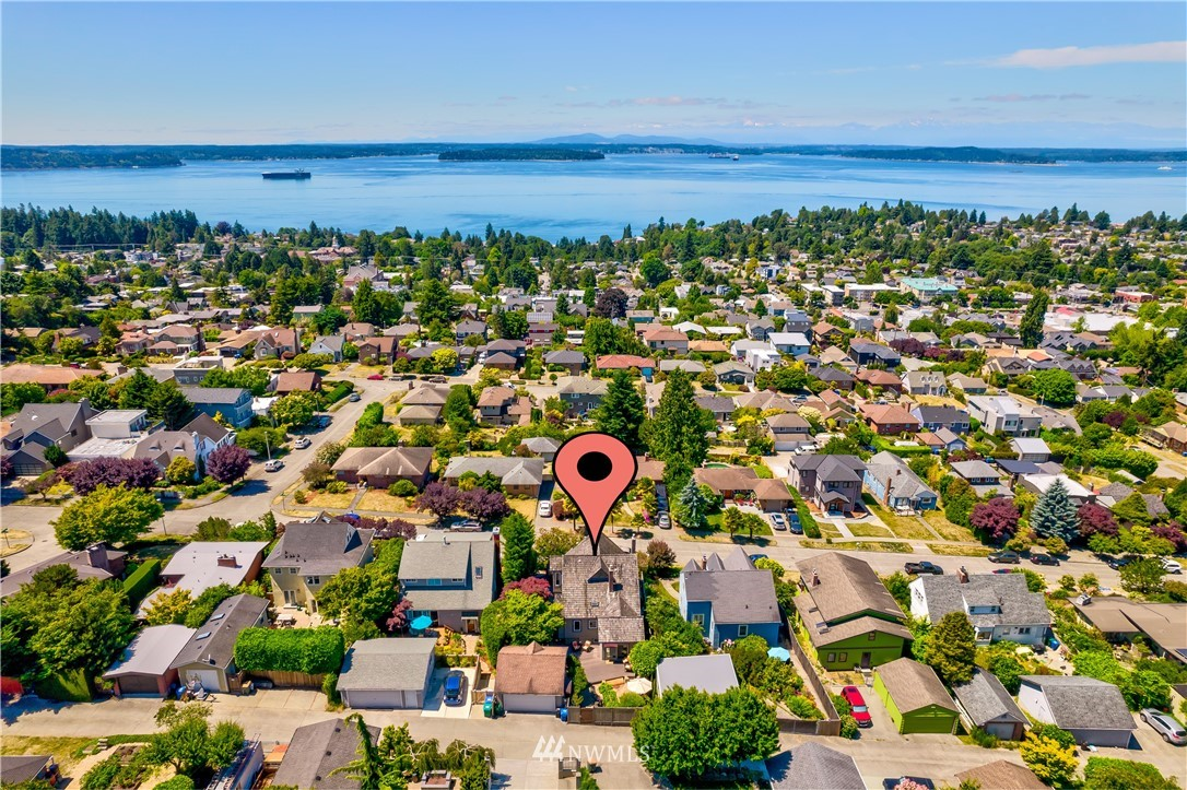 Sold Property | 6736 39th Avenue SW Seattle, WA 98136 32
