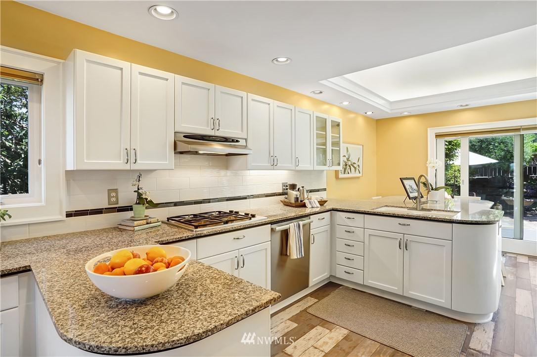 Sold Property | 6736 39th Avenue SW Seattle, WA 98136 10