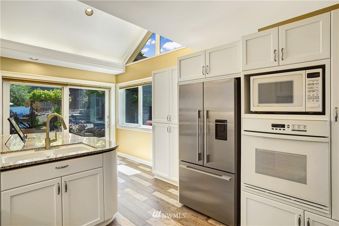 Sold Property | 6736 39th Avenue SW Seattle, WA 98136 11