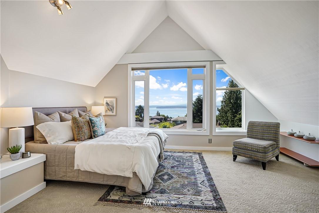 Sold Property | 6736 39th Avenue SW Seattle, WA 98136 16