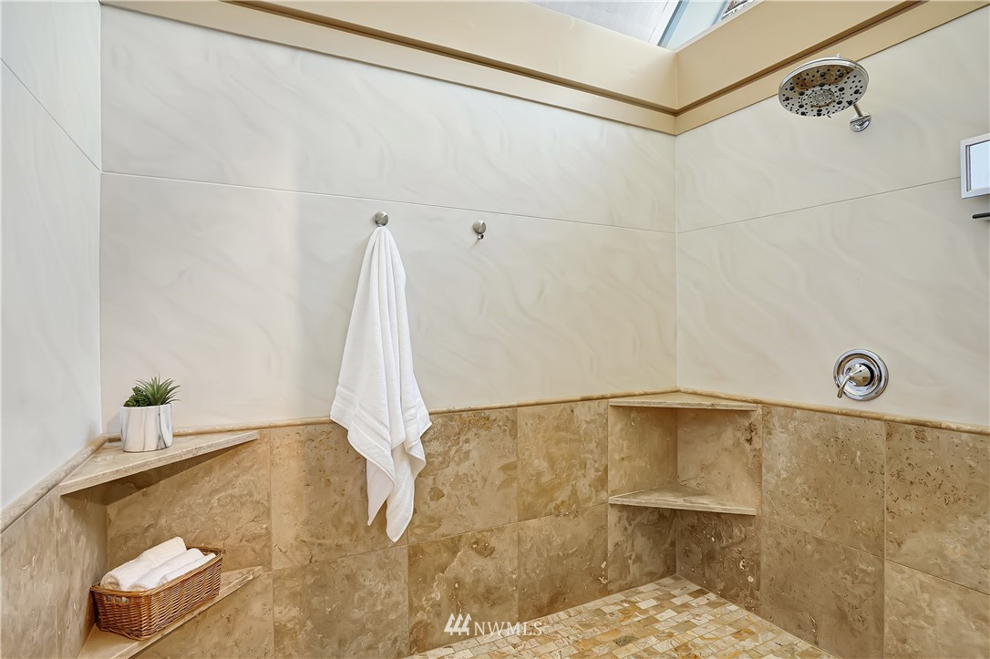 Sold Property | 6736 39th Avenue SW Seattle, WA 98136 19