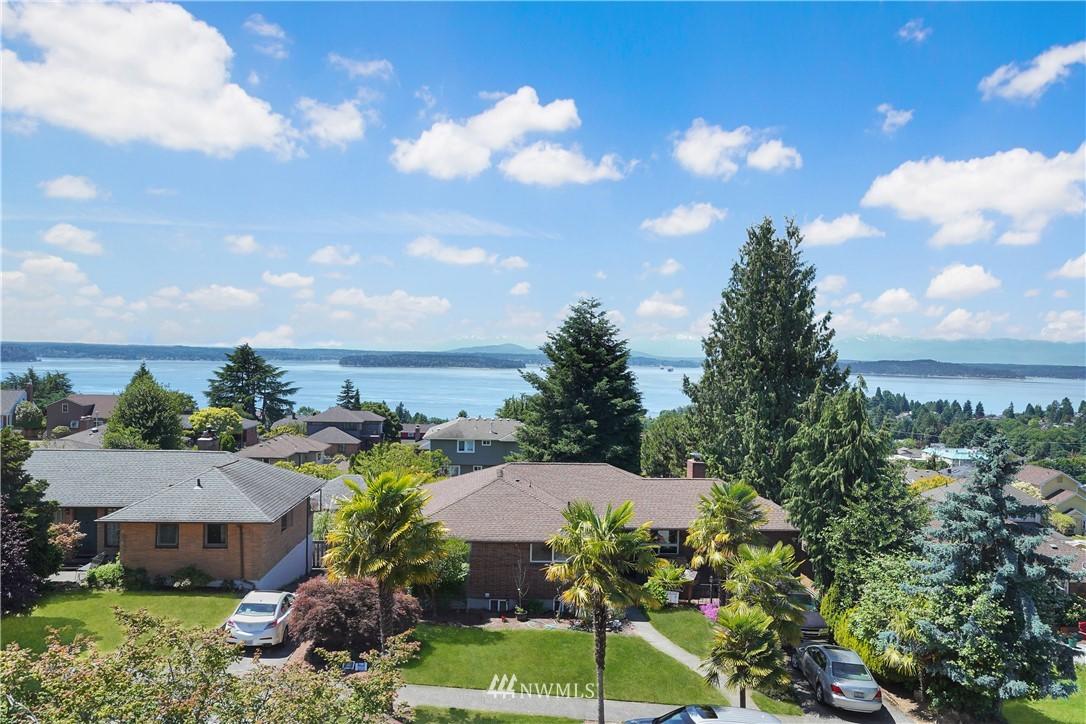 Sold Property | 6736 39th Avenue SW Seattle, WA 98136 3