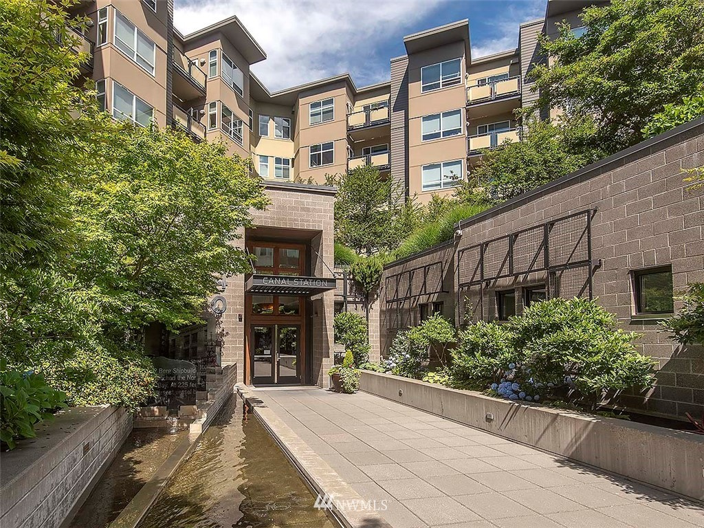 Sold Property | 5440 Leary Avenue NW #306 Seattle, WA 98107 38