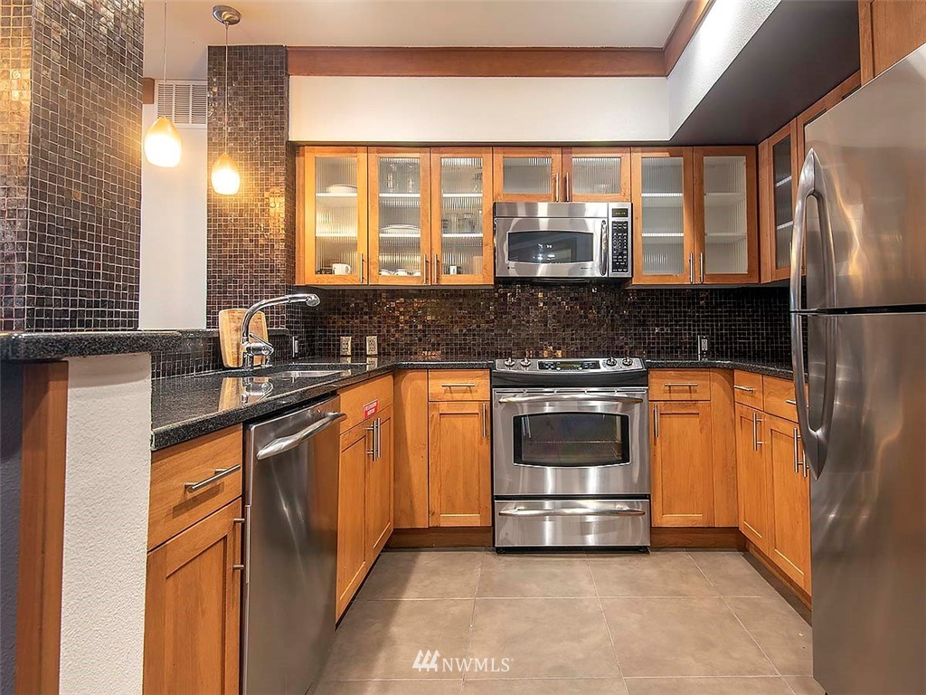 Sold Property | 5440 Leary Avenue NW #306 Seattle, WA 98107 30