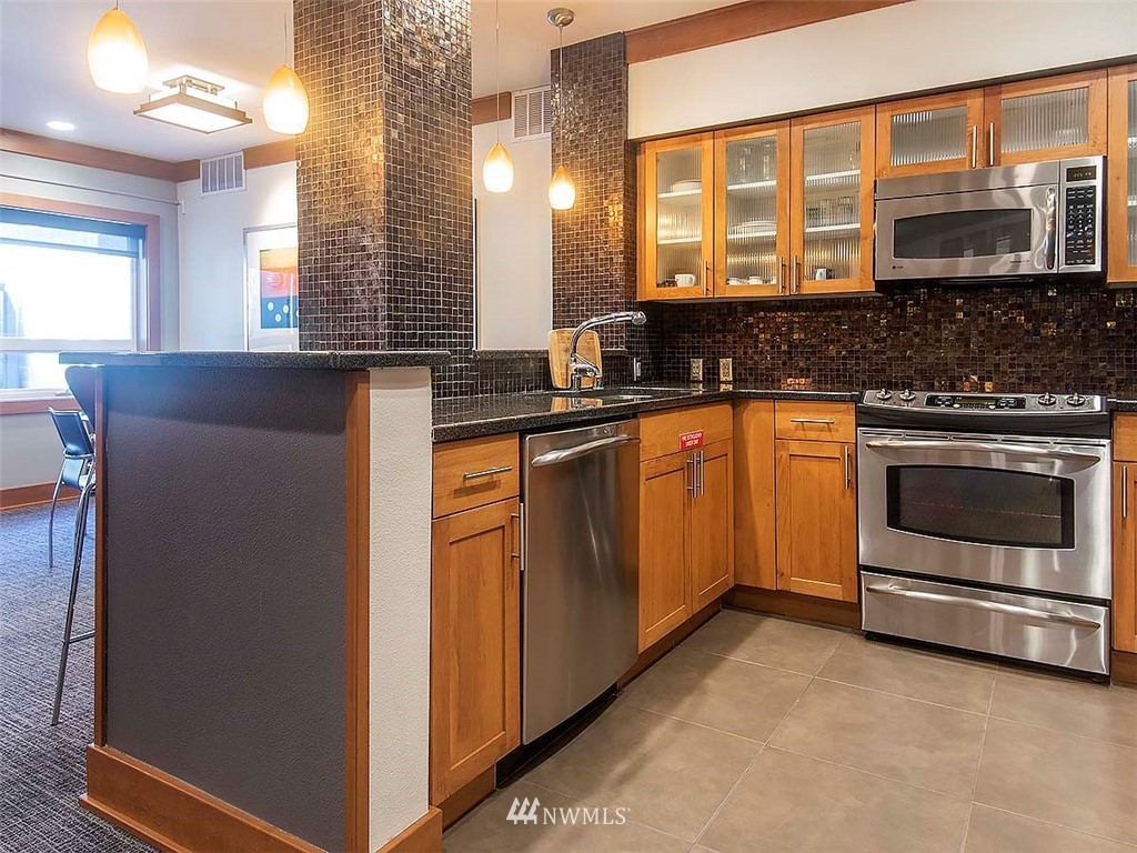 Sold Property | 5440 Leary Avenue NW #306 Seattle, WA 98107 29