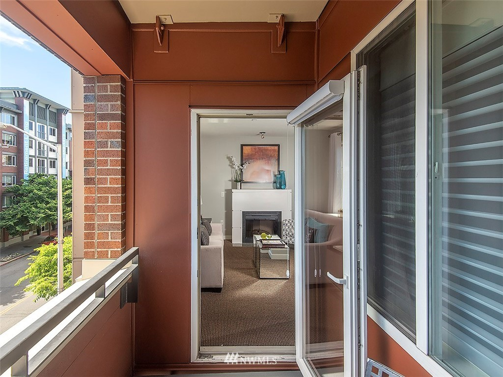 Sold Property | 5440 Leary Avenue NW #306 Seattle, WA 98107 23