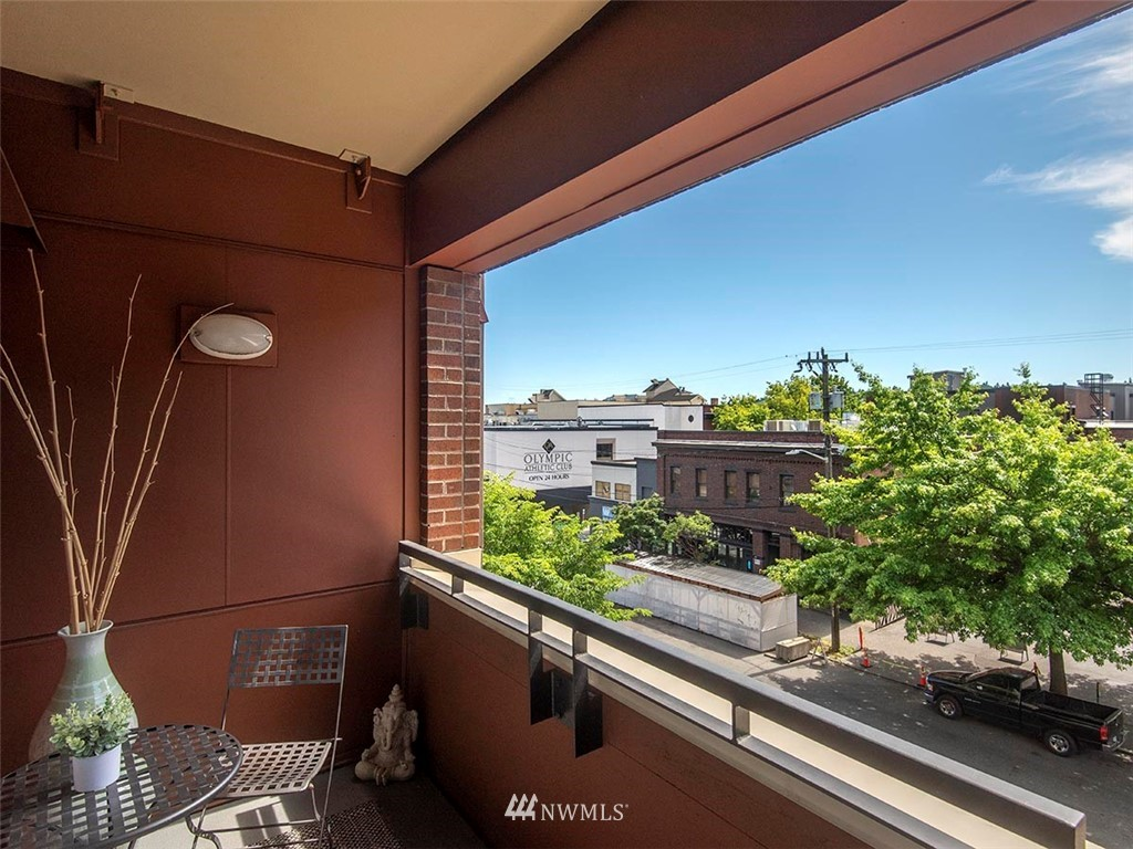 Sold Property | 5440 Leary Avenue NW #306 Seattle, WA 98107 21