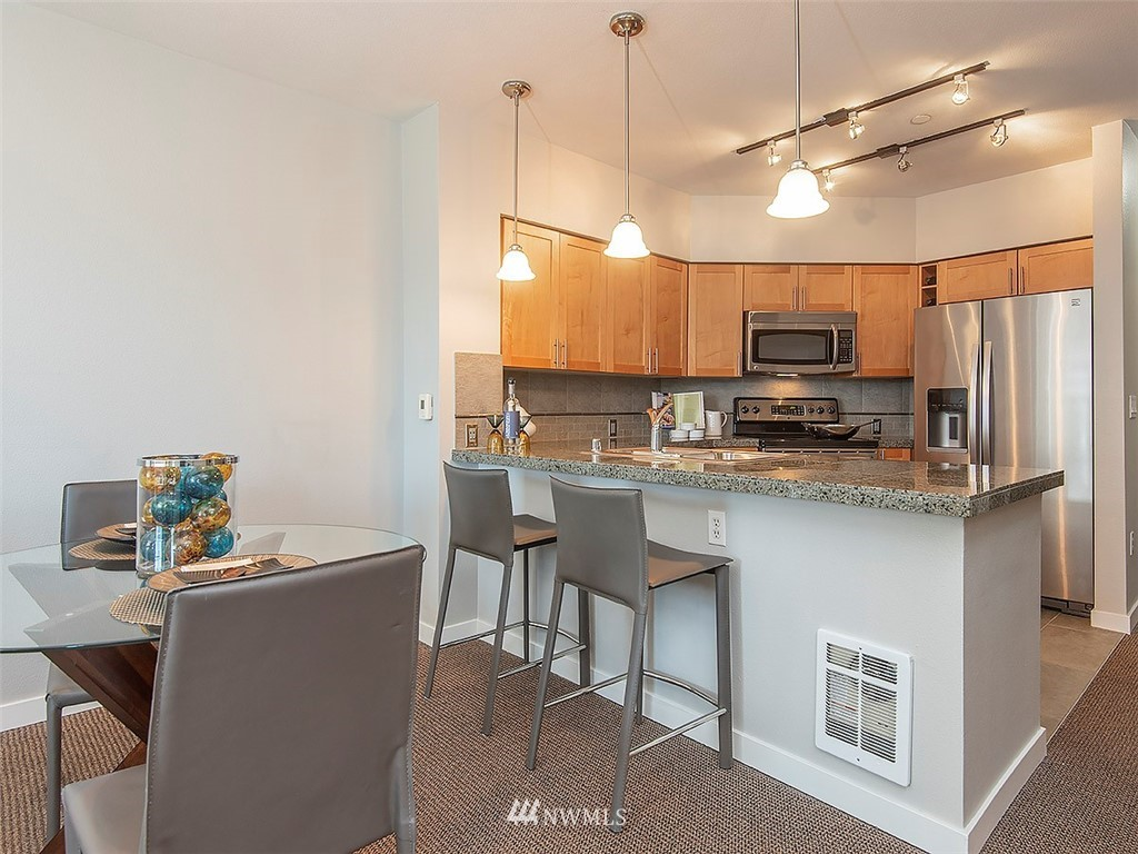 Sold Property | 5440 Leary Avenue NW #306 Seattle, WA 98107 7