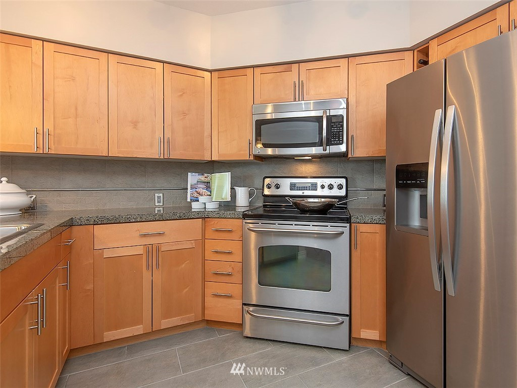 Sold Property | 5440 Leary Avenue NW #306 Seattle, WA 98107 8