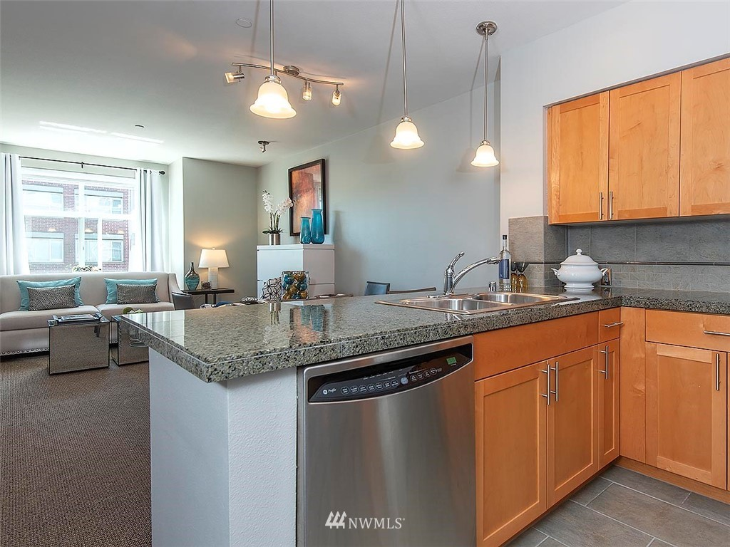 Sold Property | 5440 Leary Avenue NW #306 Seattle, WA 98107 9