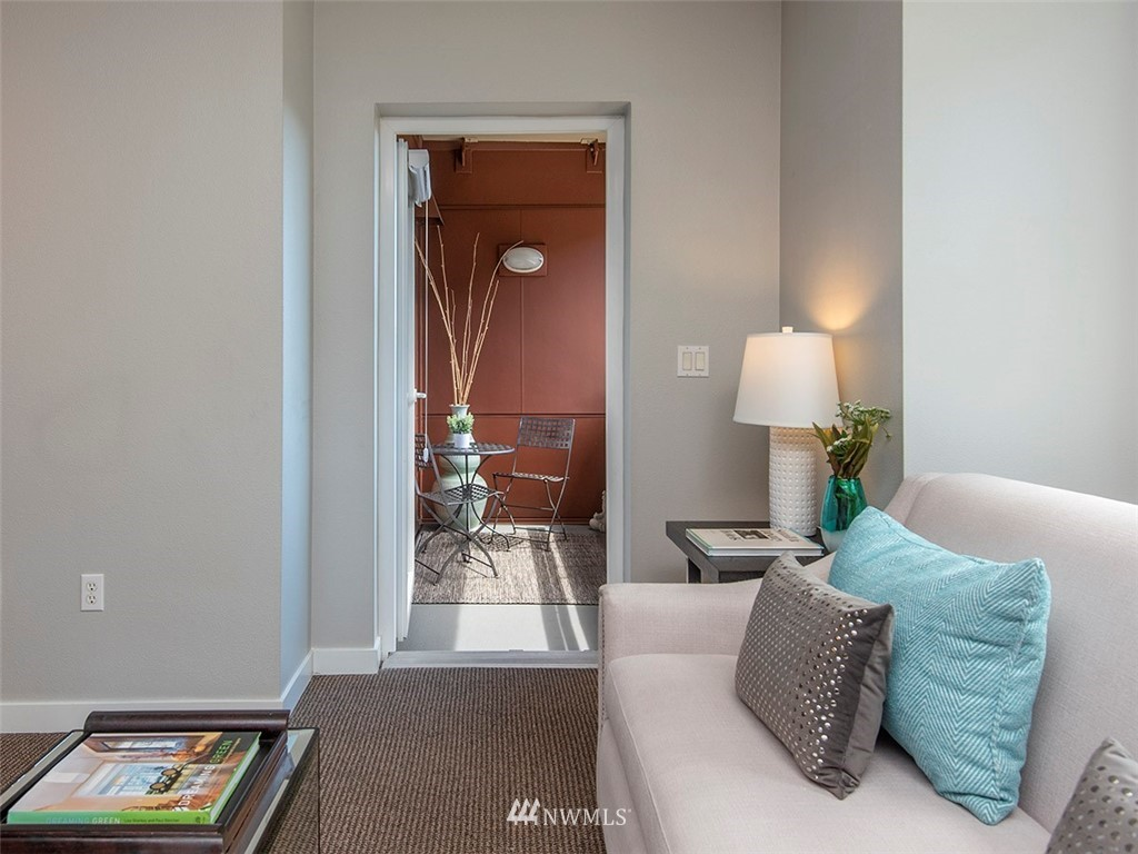 Sold Property | 5440 Leary Avenue NW #306 Seattle, WA 98107 3