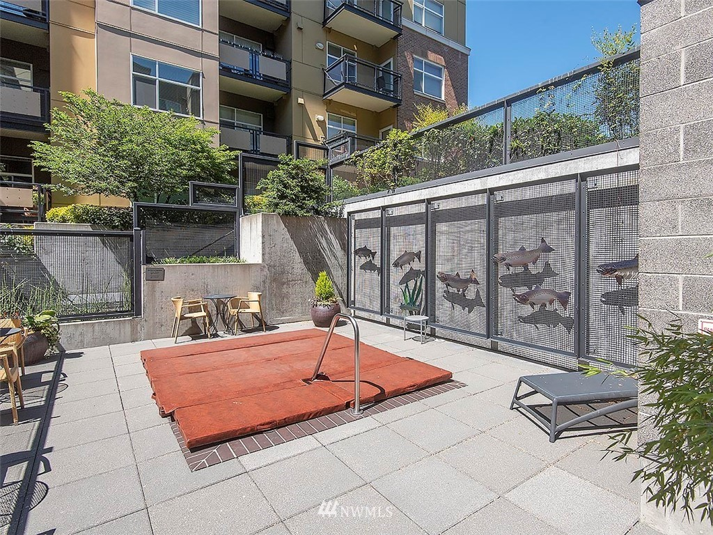 Sold Property | 5440 Leary Avenue NW #306 Seattle, WA 98107 35