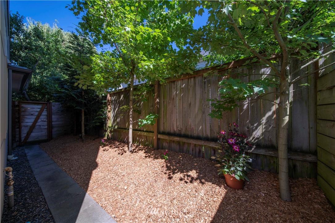 Sold Property | 1544 NW 63rd Street #B Seattle, WA 98107 9
