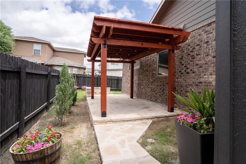 Closed   212 Brockston Drive Buda, TX 78610 35