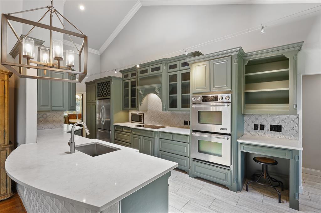 Sold Property | 6609 Ridgeview Circle Dallas, Texas 75240 11