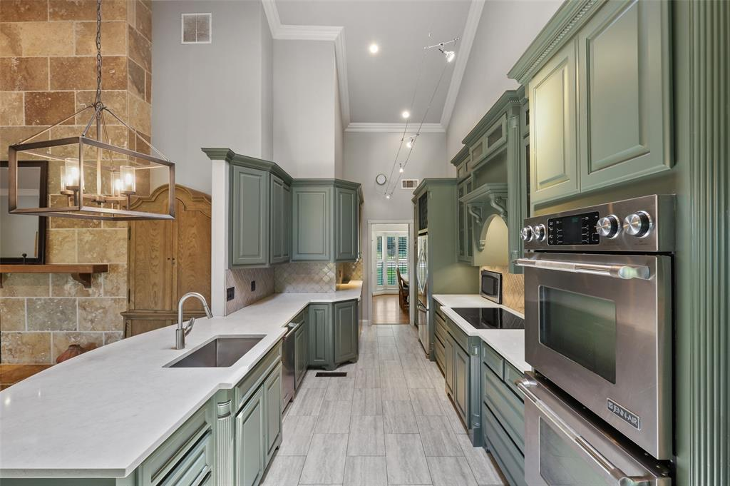 Sold Property | 6609 Ridgeview Circle Dallas, Texas 75240 12