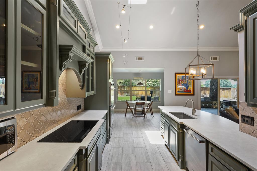 Sold Property | 6609 Ridgeview Circle Dallas, Texas 75240 13