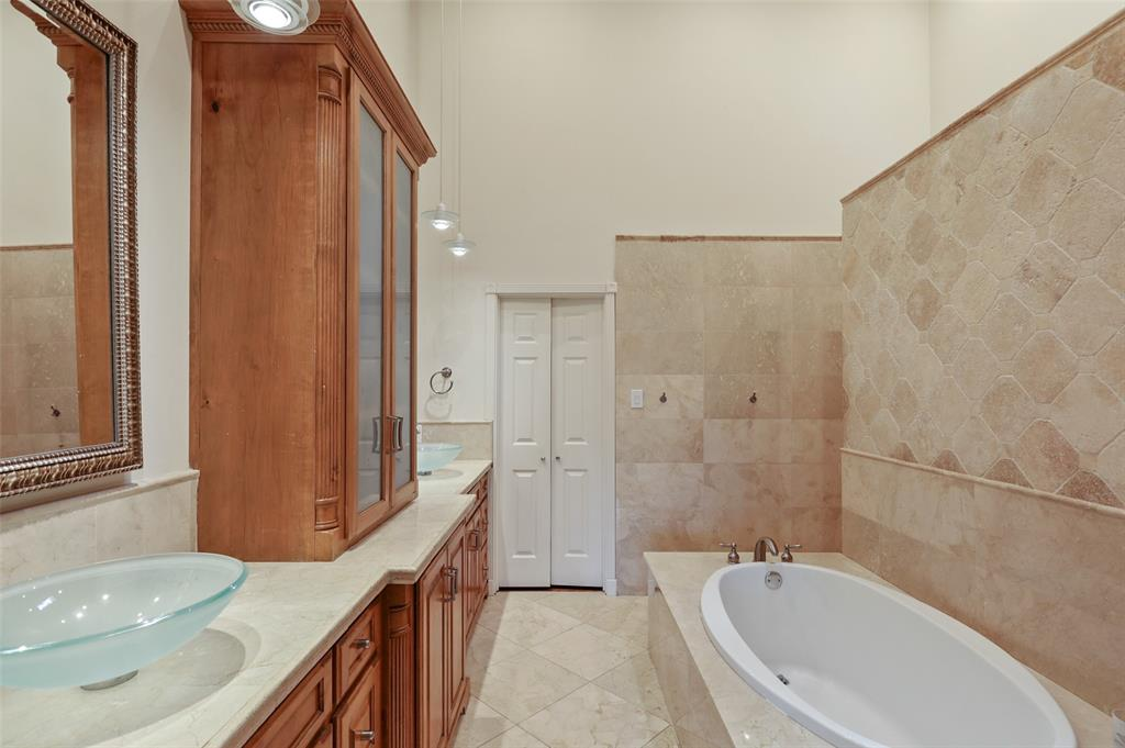Sold Property | 6609 Ridgeview Circle Dallas, Texas 75240 19