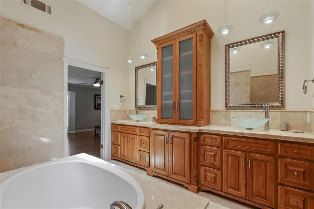 Sold Property | 6609 Ridgeview Circle Dallas, Texas 75240 21