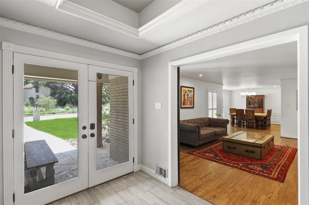 Sold Property | 6609 Ridgeview Circle Dallas, Texas 75240 4