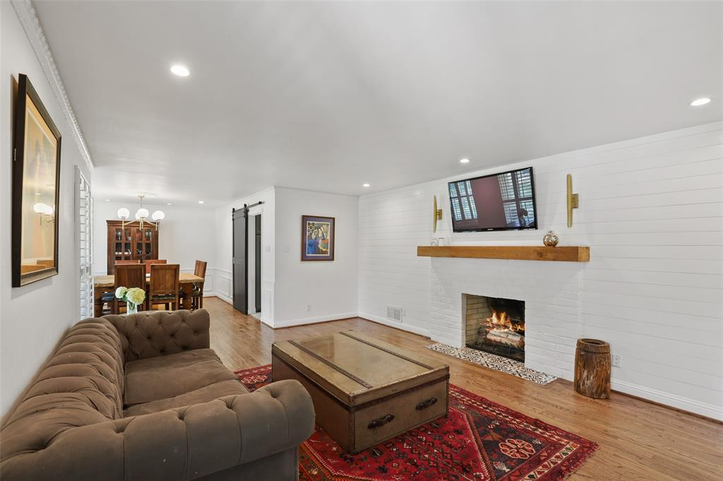 Sold Property | 6609 Ridgeview Circle Dallas, Texas 75240 5