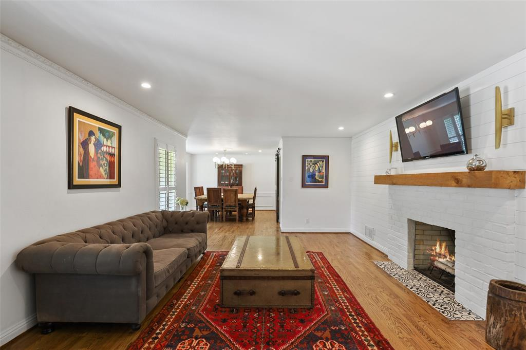 Sold Property | 6609 Ridgeview Circle Dallas, Texas 75240 6