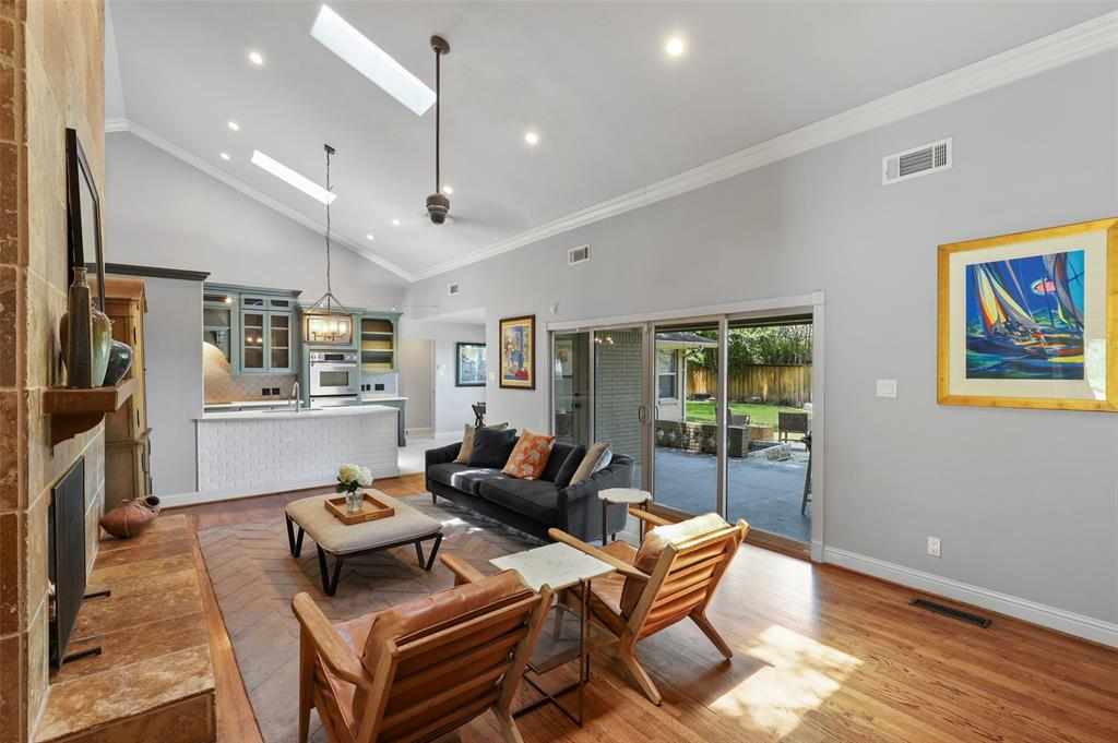 Sold Property | 6609 Ridgeview Circle Dallas, Texas 75240 9