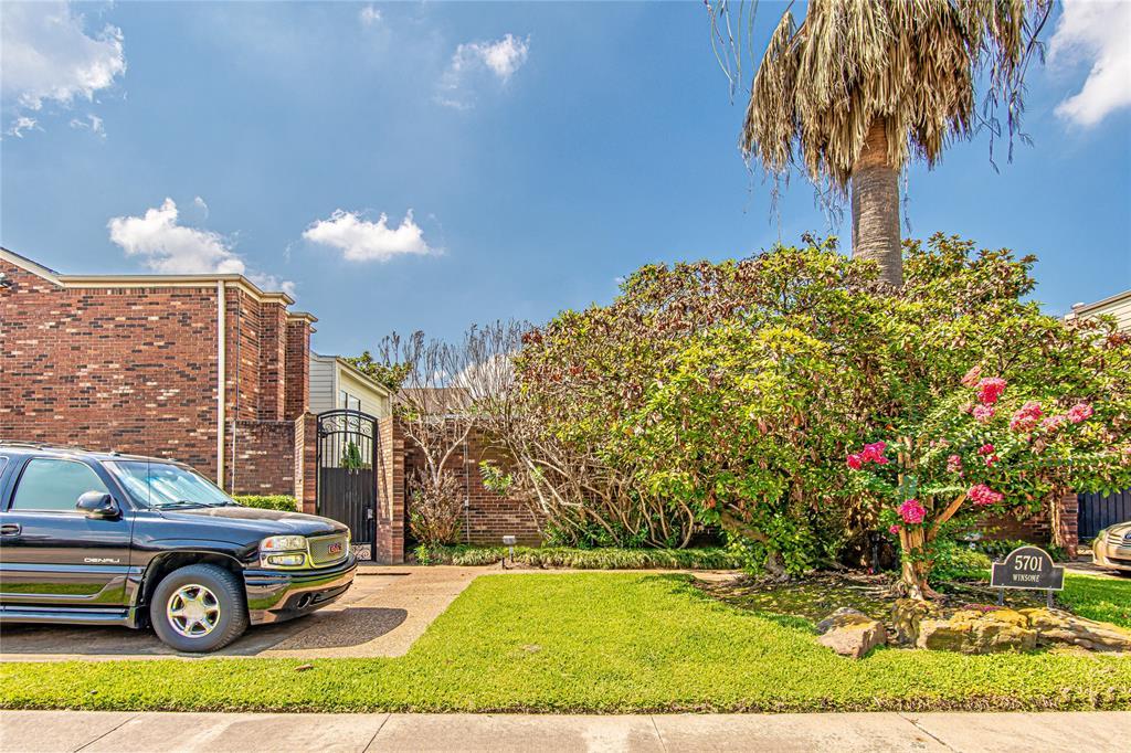 Pending | 5701 Winsome Ln #5 Houston, Texas 77057 24