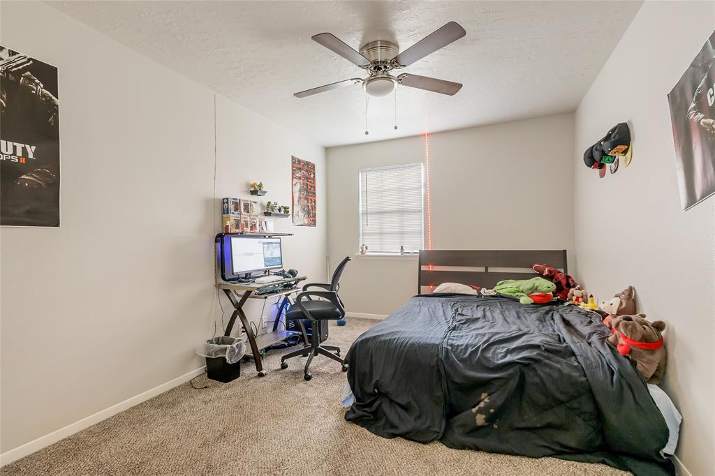 Active   12067 La Salle Oaks Conroe, Texas 77304 17