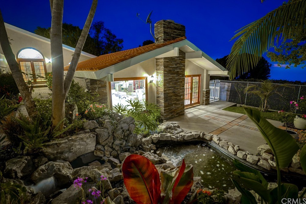 Pending   6857 Crest Road Rancho Palos Verdes, CA 90275 67
