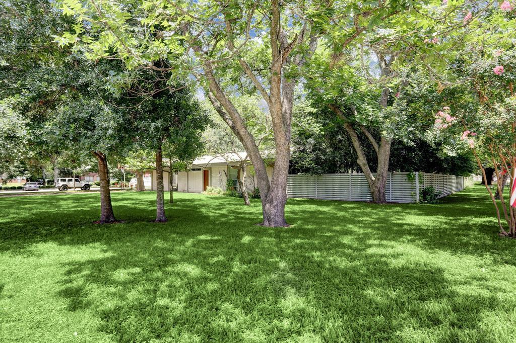 Active   1304 Avenue D Katy, Texas 77493 2