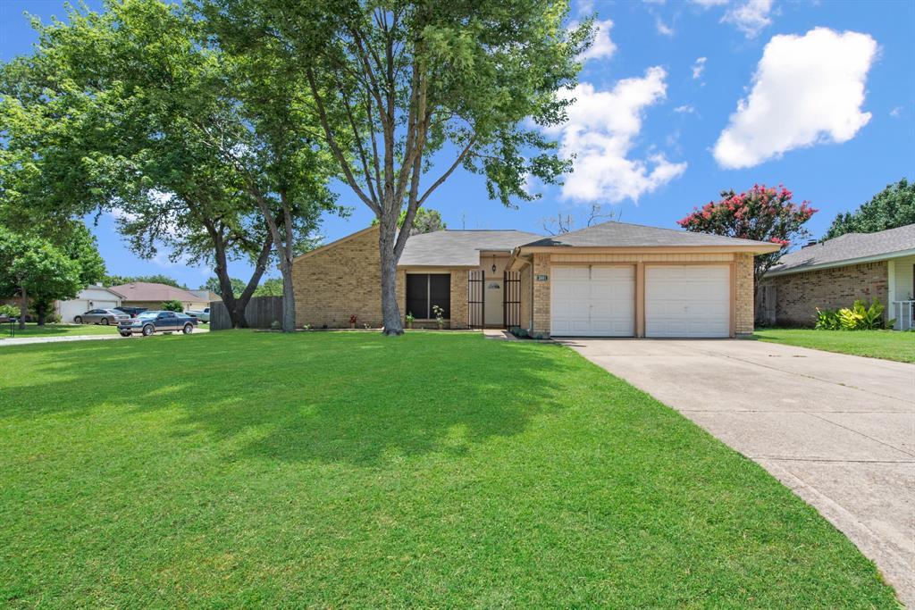 Sold Property | 2601 Carrington Lane Grand Prairie, Texas 75052 2